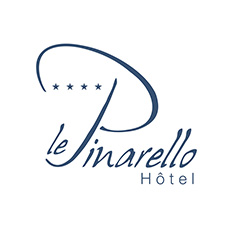 creation de logo hotel le pinarello