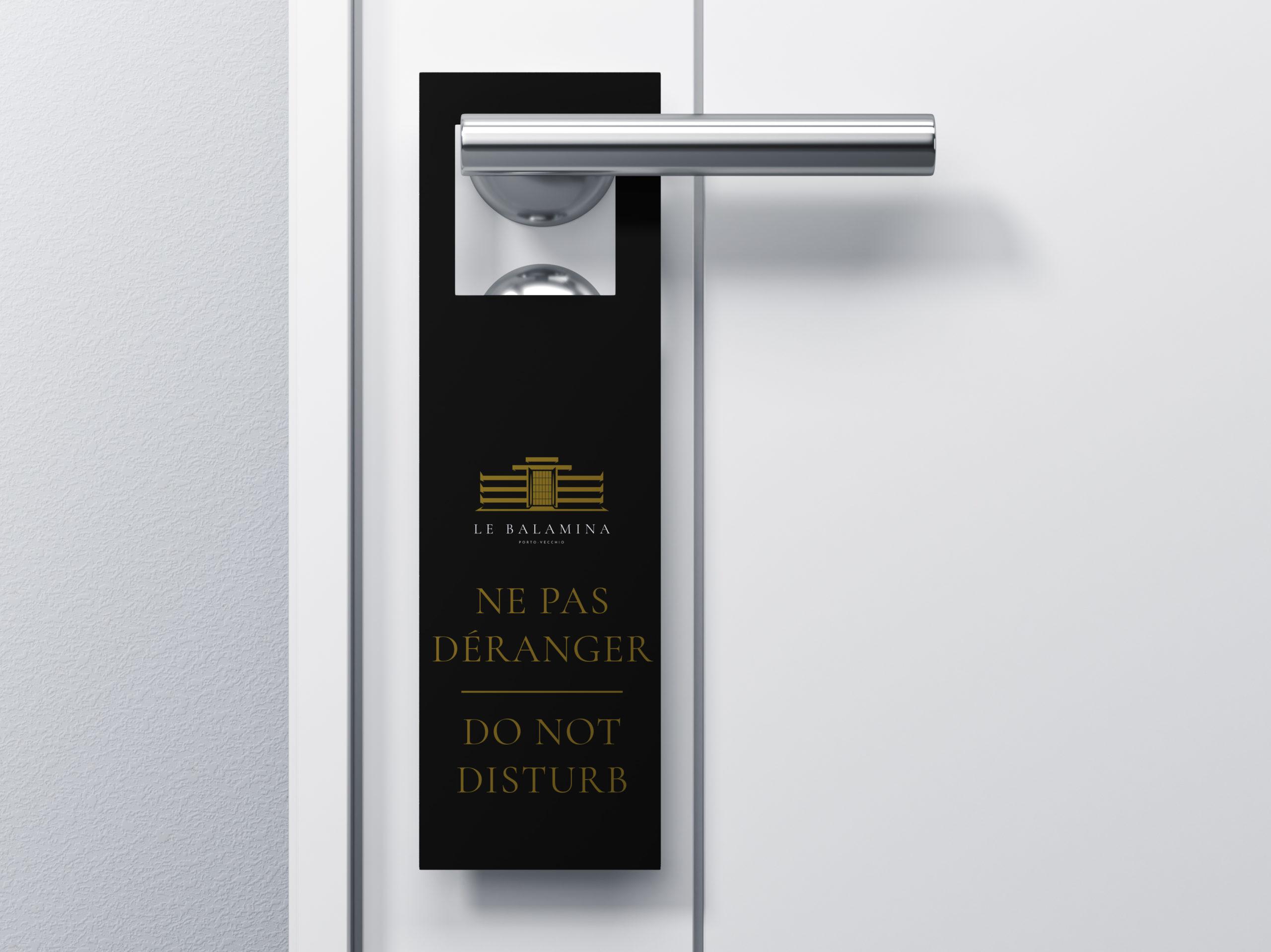 accroche-porte-hotel-luxe-corse-communication